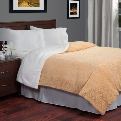 Geometric Etched Blanket Size: Full/Queen, Color: Gold