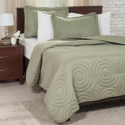 Embossed Quilt Set Size: Full/Queen, Color: Green