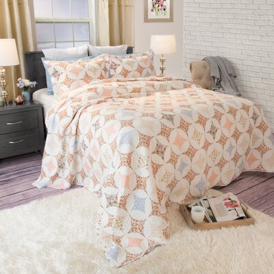 Charlotte Quilt Set Size: Full / Queen