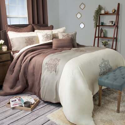 Delaney Comforter Set Size: Queen