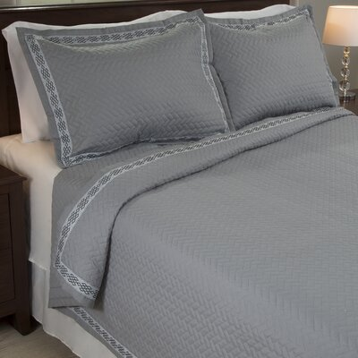 Valencia Embroidered Quilt Set Size: King