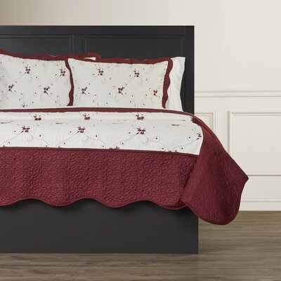Chloe Embroidered Quilt Set in Red Size: Twin
