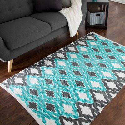 Chindi Hand-Woven Gray/Blue Area Rug