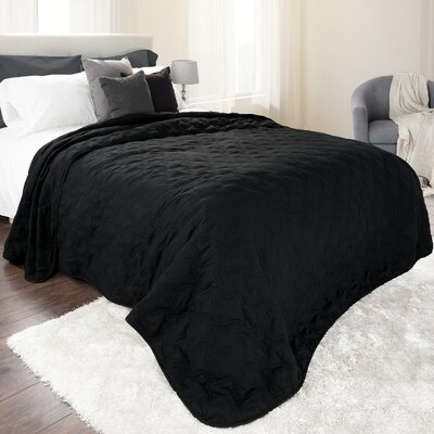 Classic Stitch Lightweight Quilted Blanket Size: Full/Queen, Color: Black