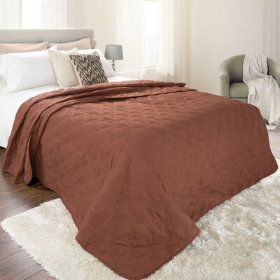 Classic Stitch Lightweight Quilted Blanket Size: Full/Queen, Color: Chocolate