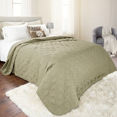 Classic Stitch Lightweight Quilted Blanket Color: Green, Size: King