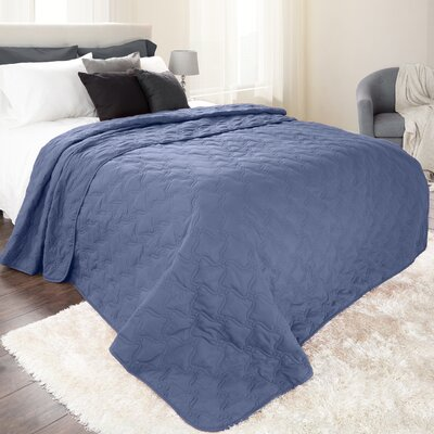 Classic Stitch Lightweight Quilted Blanket Size: Full/Queen, Color: Navy