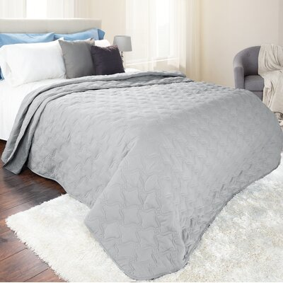 Classic Stitch Lightweight Quilted Blanket Size: Full/Queen, Color: Silver