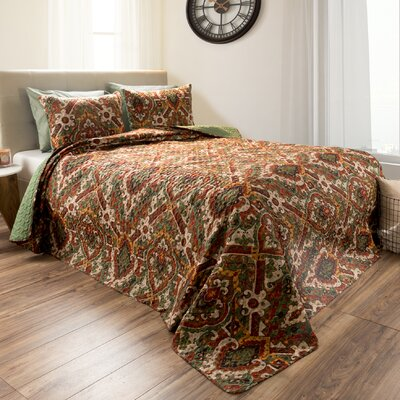 Loftin Reversible Quilt Set Size: King