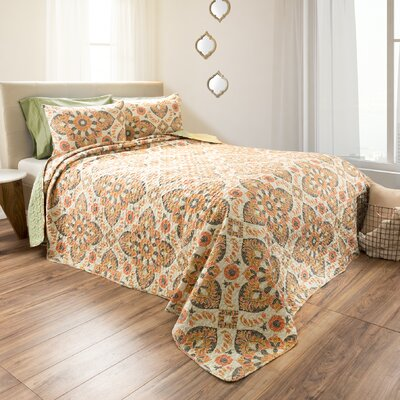 Bratton Reversible Quilt Set Size: King