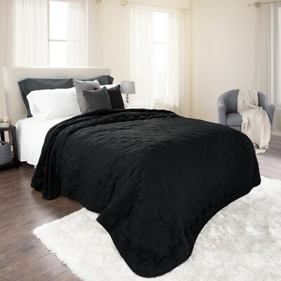 Mytsyk Solid Quilt Color: Black, Size: Twin
