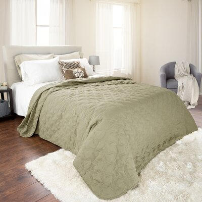 Mytsyk Solid Quilt Color: Green, Size: King