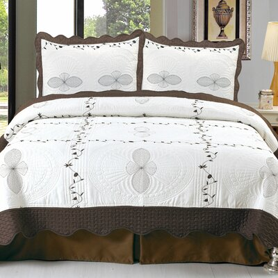 Athena Embroidered Quilt Set Size: King