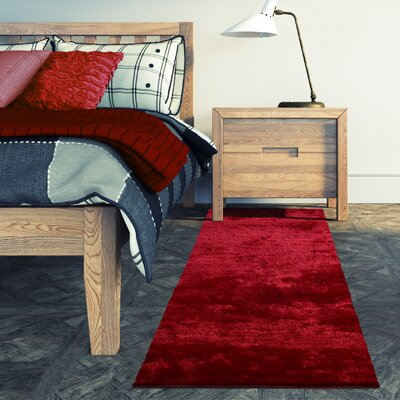 Metro Silk Red Area Rug Rug Size: 6 x 9