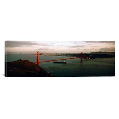 Panoramic Golden Gate Bridge, San Francisco, California Photographic Print on Canvas Size: 20