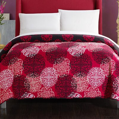 Burg Boho Inspired Reversible Print Quilt Size: Queen, Color: Red