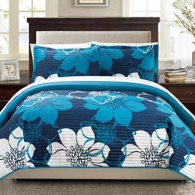 7 Piece Quilt Set Size: Queen, Color: Blue