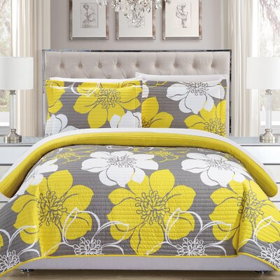 7 Piece Quilt Set Size: King, Color: Yellow