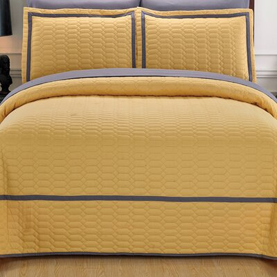 Birmingham Quilt Set Size: Queen, Color: Yellow