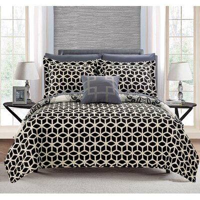 Madrid 8 Piece Reversible Quilt Set Size: King, Color: Navy