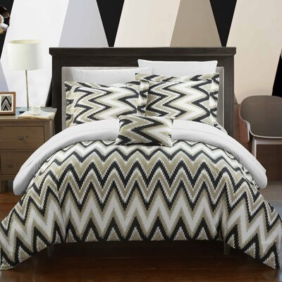 Bella Reversible Comforter Set Size: Full/Queen, Color: White