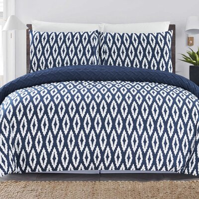 Cherree 2 Piece Reversible Comforter Set Color: Navy