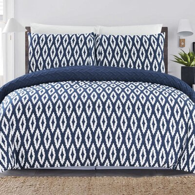 Cherree 7 Piece Reversible Bed in a Bag Set Color: Navy, Size: Queen
