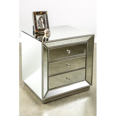 Mie 3 Drawer Nightstand