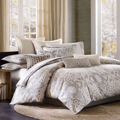 Odyssey Reversible Comforter Set Size: Queen