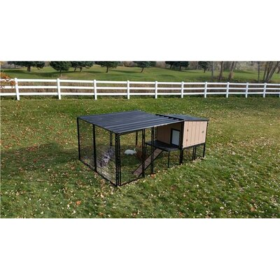 Rabbit Hutch with Run Size: 4 x 8