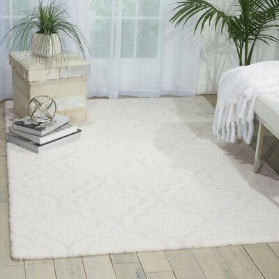 Hand-Tufted White Area Rug Rug Size: Rectangle 5 x 7