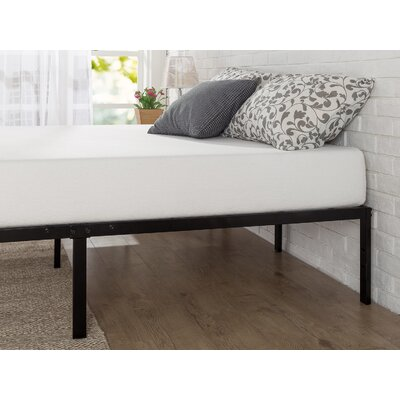 Classic Metal Platform Bed Frame Size: Queen