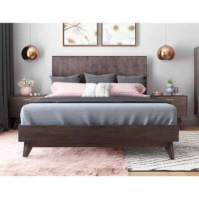 Dalessio Wooden Platform Bed Bed Size: King