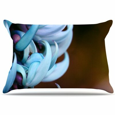 Bloom Pillowcase Size: Standard