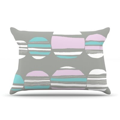 Retro Circles Pillowcase Size: King, Color: Pastel