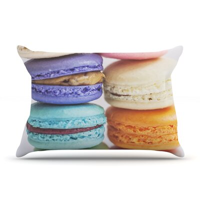I Love Macaroons Pillow Case Size: Standard