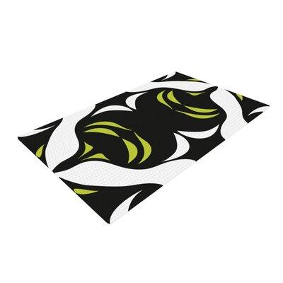 Miranda Mol Jaws Green/White Area Rug Rug Size: 4 x 6