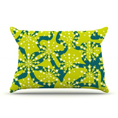 Festive Splash Pillow Case Size: Standard