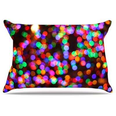 Lights II Pillowcase Size: King