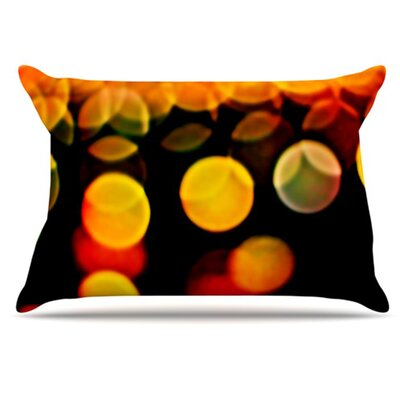 Lights Pillowcase Size: King
