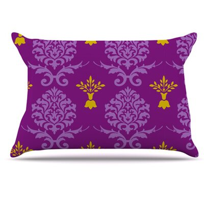 Crowns Pillowcase Size: Standard