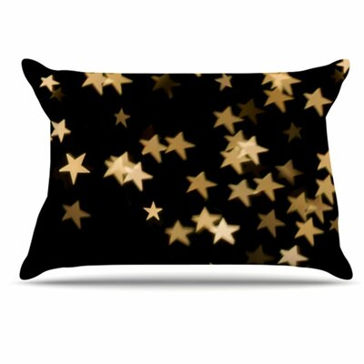 Twinkle Pillowcase Size: Standard