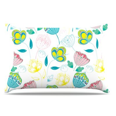 Indie Floral Pillowcase Size: Standard