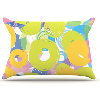 Circle Me Pillowcase Size: Standard