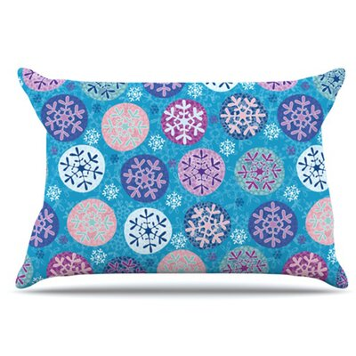 Floral Winter Pillowcase Size: Standard