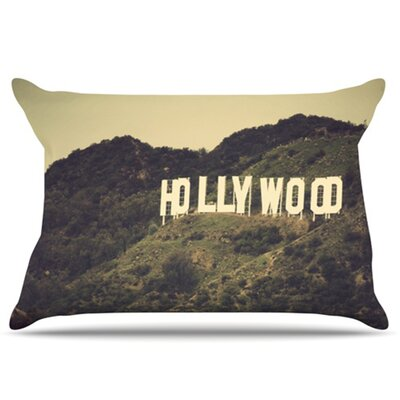 Hollywood Pillowcase Size: Standard