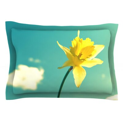 Daffodil by Robin Dickinson Featherweight Pillow Sham Size: King, Fabric: Cotton