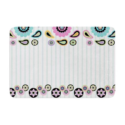 Nina May Paisley Party Paisley Flower Memory Foam Bath Rug