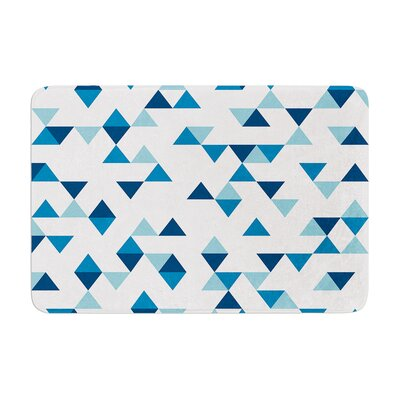 Project M Triangles Memory Foam Bath Rug Color: Navy