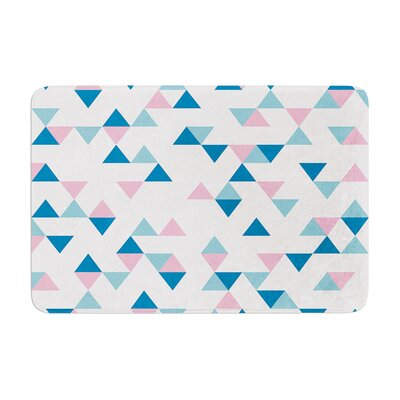Project M Triangles Memory Foam Bath Rug Color: Pink
